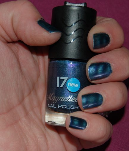 17 Magnetized (Magnetic) Nail Polish/Varnish (Blue, Lilac