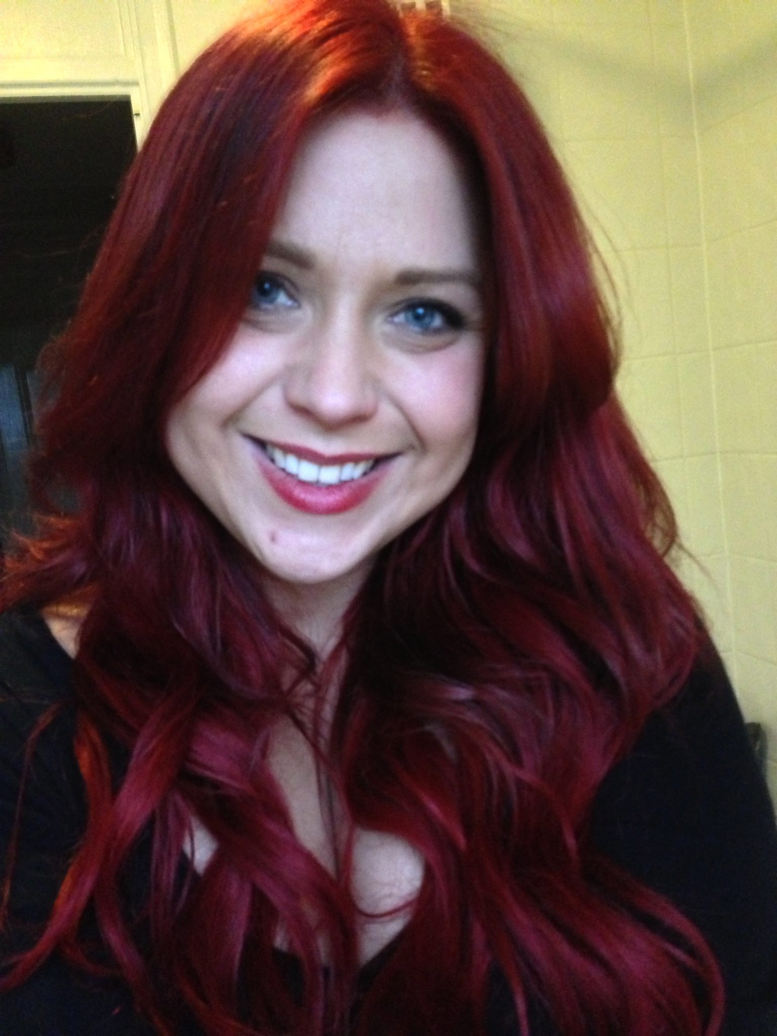 using Garnier Nutrisse Ultra Color - fiery red 6.60 with extensions