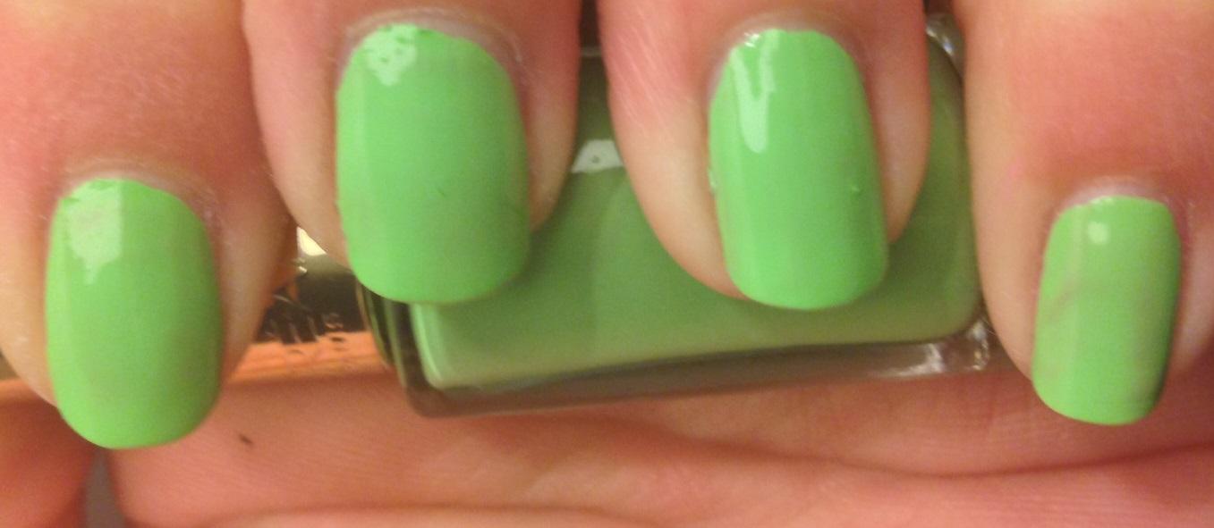 Spotlight/Review: L\'Oreal Color Riche Neon Pop Nail Polishes ...