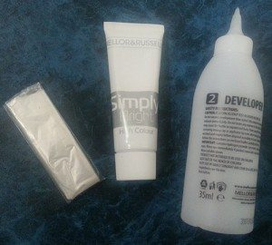 MELLOR & RUSSELL Simply Bright Cool Silver Hair Dye - Box Contents
