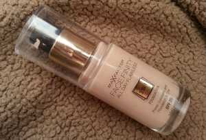 Max Factor Face Finity All Day Flawless 3 in 1 Foundation in Light Ivory 40