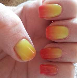 Crystal-G Colour Change Gel Nail Polish in TH06 - Nails warm (Not hot) Swatch