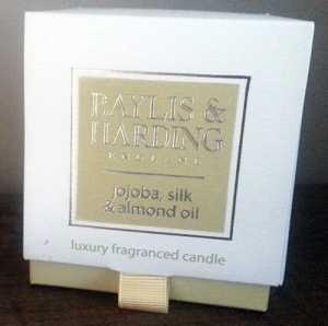 Baylis & Harding Candle in Jojoba, Silk and Almond Oil