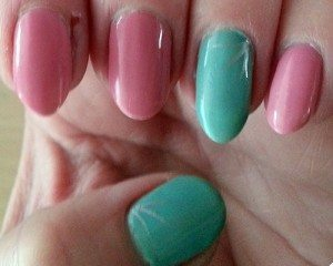 No 7 Limited Edition Stay Perfect Nail Colours in Spring Meadow and Pink Blossom - Swatch on nails