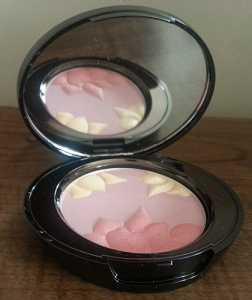 No7 Limited Edition Peony Petals Blush Palette.