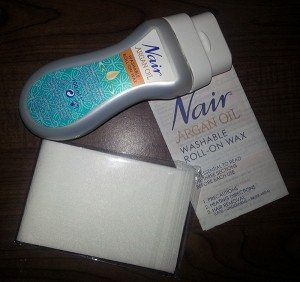 Nair Argan Oil Washable Roll-On Wax - Kit contents