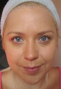 After applying the Sheer Cover Studio Perfect Shade Mineral Foundation in Tan