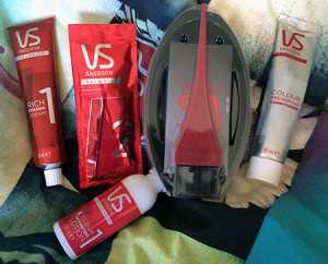 Vidal Sassoon Salonist Permanent Hair Colour 3/0 Darkest Neutral Brown - Box contents