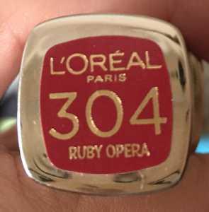#30DaysOfRed Day 10 - L'Oreal L'Extraordinaire Liquid Lipstick Ruby Opera 304